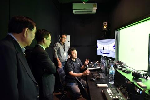 ผู้บริหารคณะฯ เยี่ยมชมการผลิตรายการและการทำงานช่อง T-Channel ธนาคารธนชาต