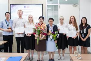 พิธีแสดงความยินดีแก่นักศึกษาพยาบาลสวีเดน ในวาระสำเร็จการศึกษา