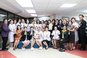 คณะผู้บริหาร โรงเรียนพยาบาลรามาธิบดี ร่วมแสดงความยินดีกับ ฝ่ายการพยาบาล คณะแพทยศาสตร์โรงพยาบาลรามาธิบดี มหาวิทยาลัยมหิดล