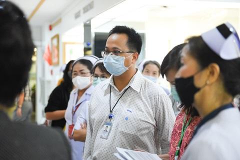 กิจกรรม Leadership Walk Round หอผู้ป่วยศัลยกรรมพิเศษ 5NE และหอผู้ป่วยวิกฤตศัลยกรรม 5IC โดยกลุ่มภารกิจดูแลสุขภาพ