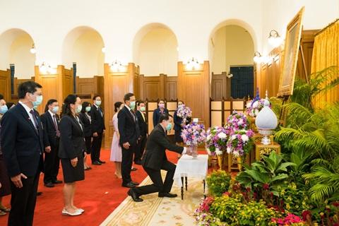 คณะแพทยศาสตร์โรงพยาบาลรามาธิบดี มหาวิทยาลัยมหิดล ถวายพระพร สมเด็จพระกนิษฐาธิราชเจ้า กรมสมเด็จพระเทพรัตนราชสุดาฯ สยามบรมราชกุมารี ให้ทรงหายจากพระอาการประชวร