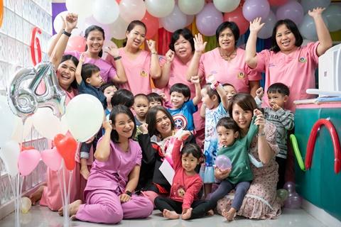 กิจกรรมวันรับใบประกาศนียบัตร วันจบปีการศึกษา 2564 ของเด็กที่ศูนย์พัฒนาเด็กปฐมวัยรามาธิบดี
