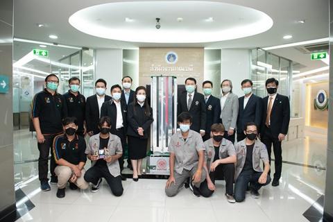 รามาธิบดี รับมอบหุ่นยนต์ฉายรังสี UVC จากมหาวิทยาลัยเทคโนโลยีพระจอมเกล้าพระนครเหนือ